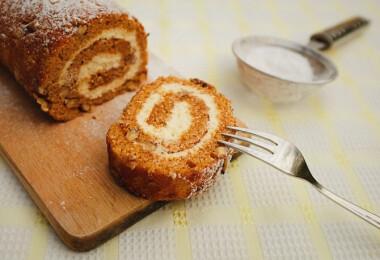 11 édesen omlós piskótatekercs, ami a húsvéti asztal éke lesz