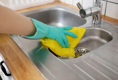 Így tisztítsd ki a bűzös lefolyót természetesen