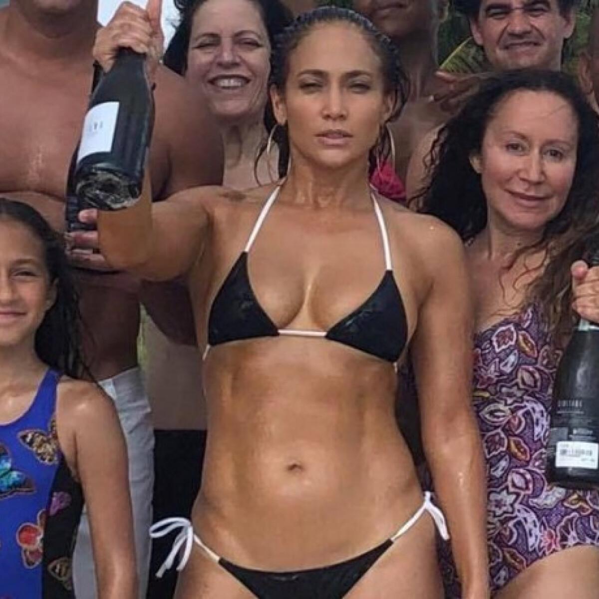 Ezek a 49 (!!!) éves Jennifer Lopez tökéletes testének titkai