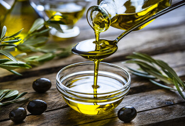 Meddig áll el az olívaolaj, és melyiket mire lehet használni?