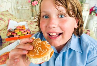 Harcoljunk a gyermekkori elhízás ellen!