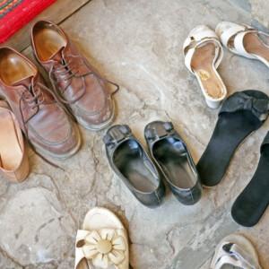 Cipőszag az előszobában, állott szag a ruhásszekrényben? Mutatjuk az olcsó megoldást!