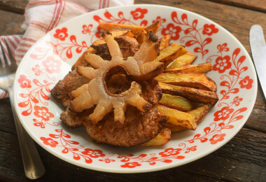 Mit főzzek ma? Hideg tökleves, cigánypecsenye és epres piskótatekercs a mai menü