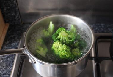 Biztosan nem fonnyad meg a friss brokkoli, ha így fagyasztod le