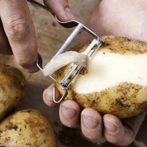 Ha megnézed ezt a videót, örökre megváltozik, amit eddig a krumplipucolóról gondoltál
