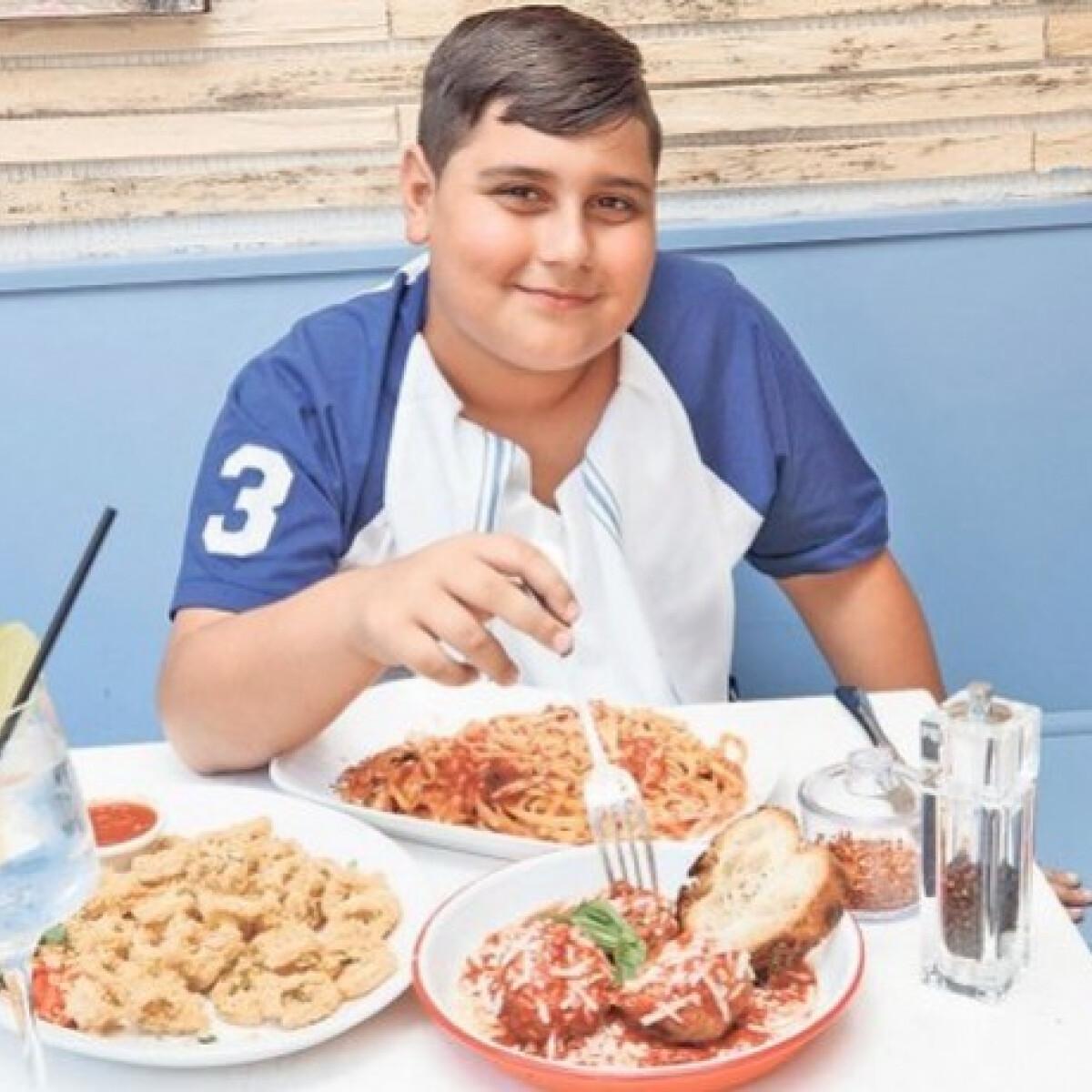 11 éves a srác, de már most New York egyik legszórakoztatóbb ételkritikusa