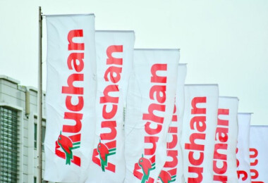 Kiderült, mennyit keresnek az Auchan dolgozói idén