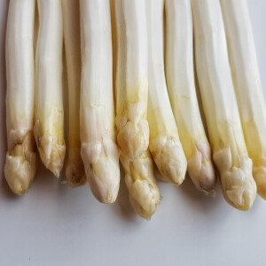 Fehér spárga