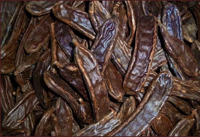 Ezen a képen: Szentjánoskenyérmag liszt