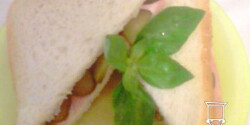 Sonkás-sajtos szendvics koviubival