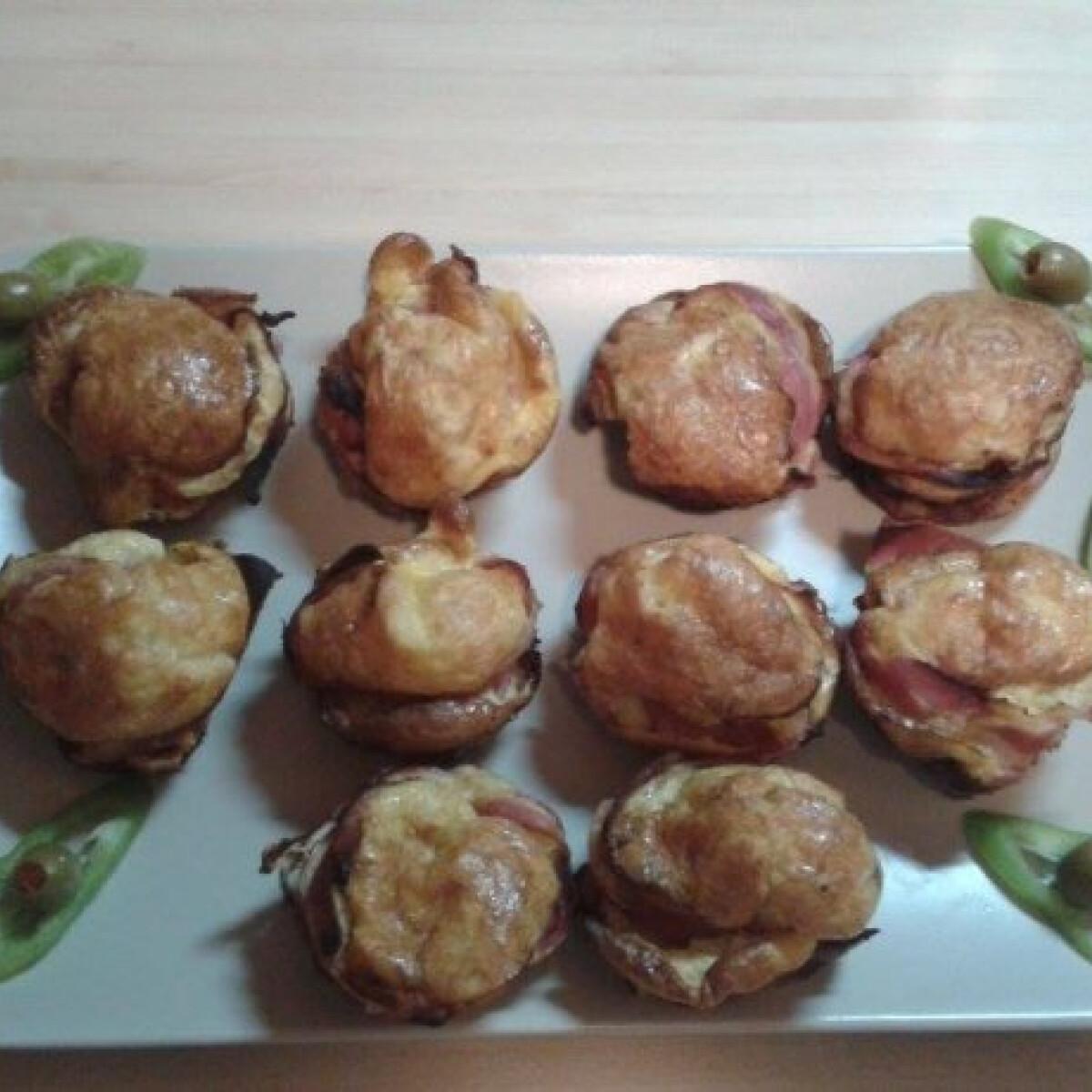 Baconös-tojásos-sajtos muffin