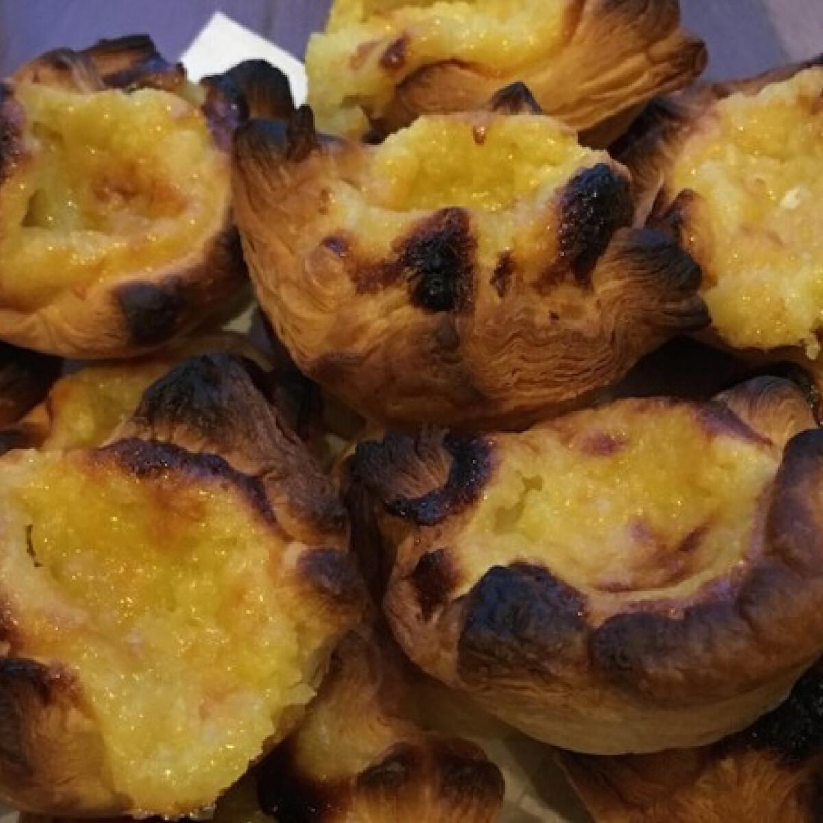 Ezen a képen: Portugál pudingos kosárka - Pastéis de nata