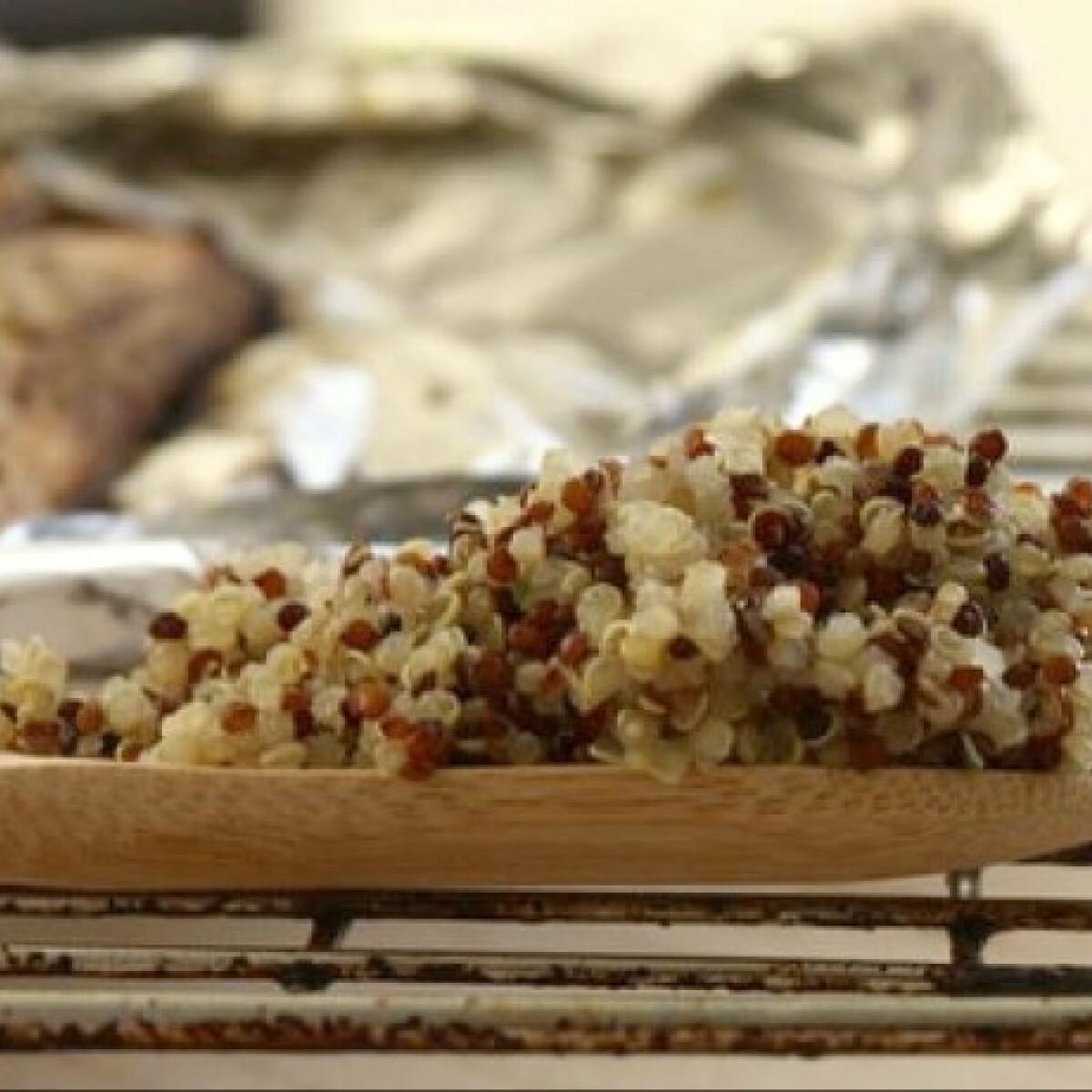 Ezen a képen: Teán füstölt lazac quinoával