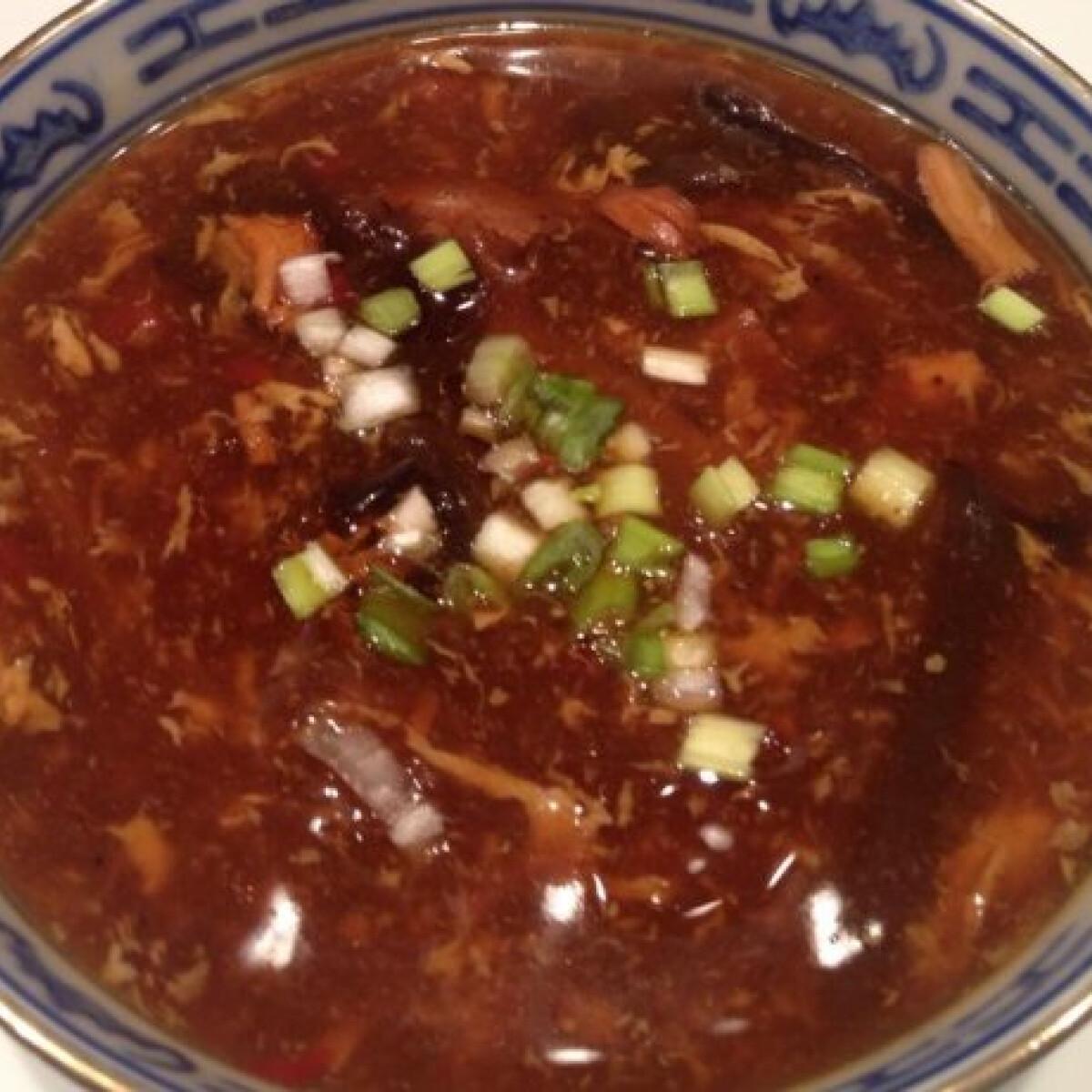 Ezen a képen: Savanyú-erős leves