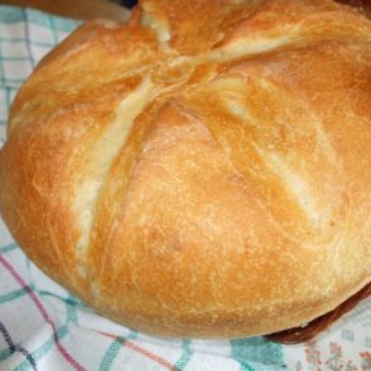 Ezen a képen: Fehér kenyér Olaszné Ancitól