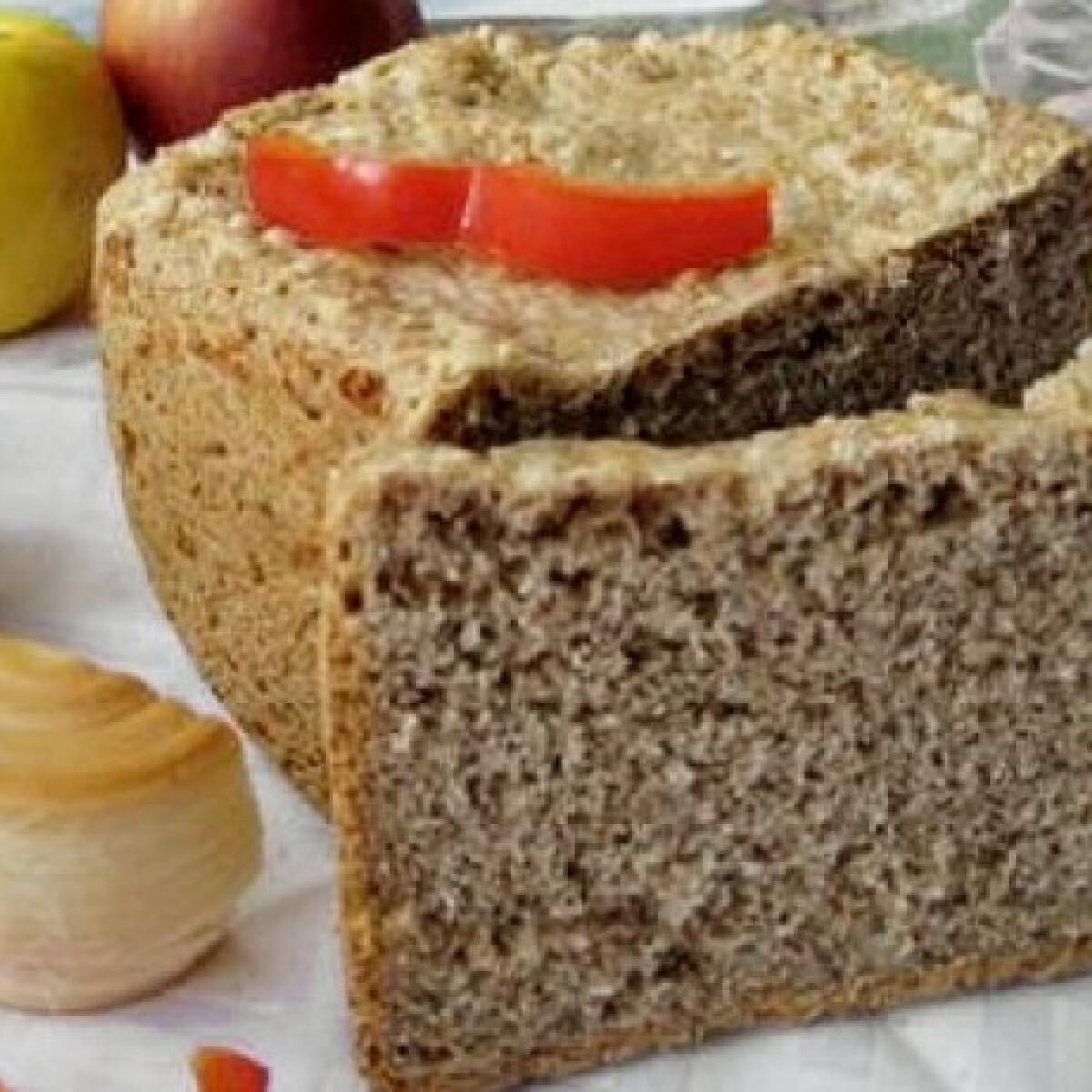 Ezen a képen: Graham-lisztes sajtos kenyér kenyérsütőben