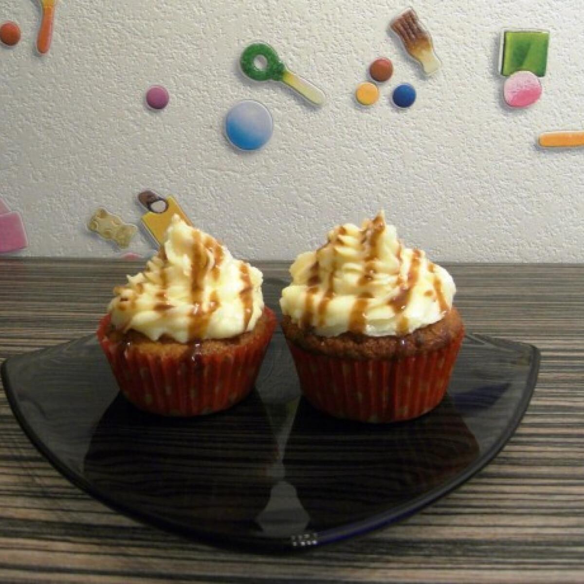 Ezen a képen: Banános karamelles cupcake