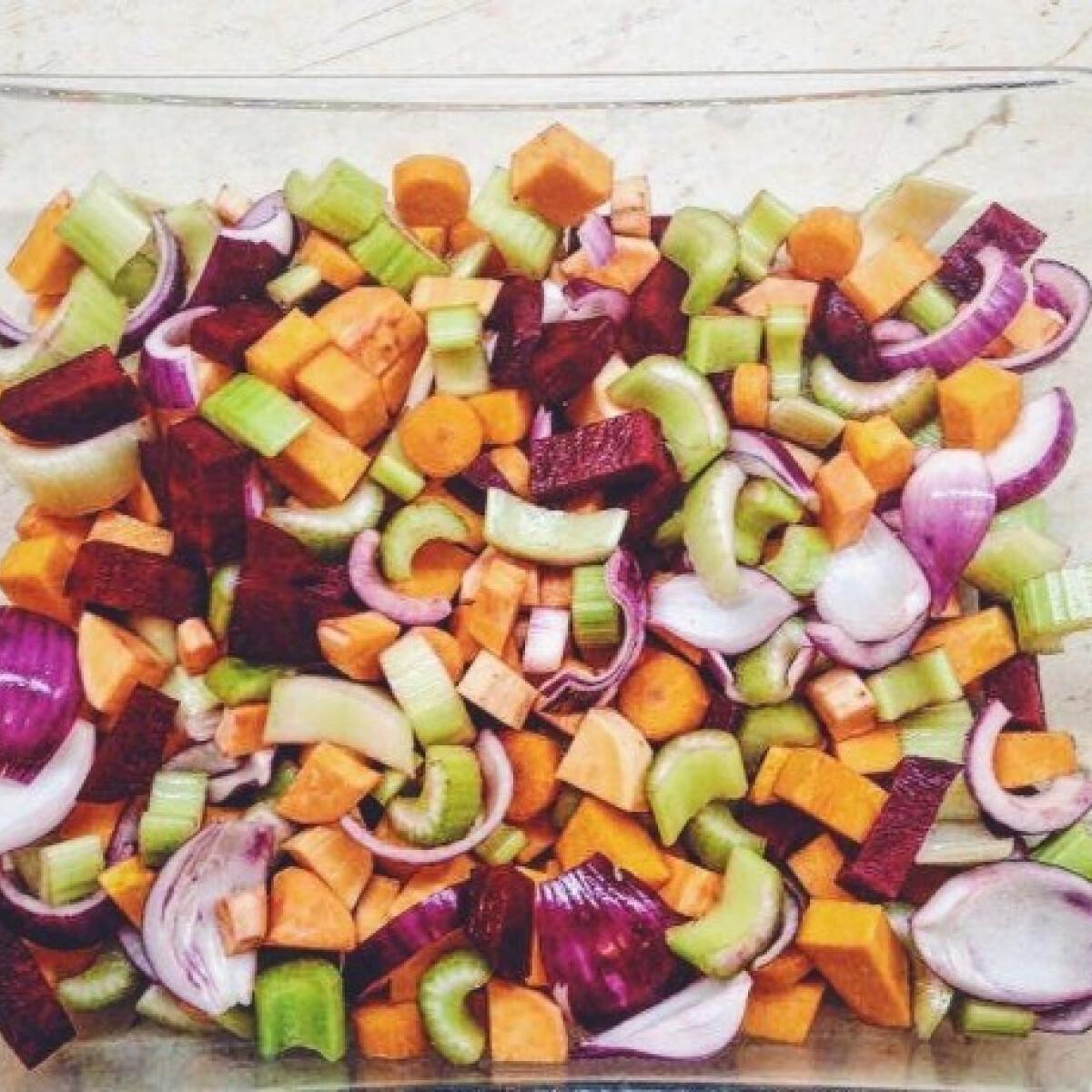 Ezen a képen: Téli sült saláta a'la The Puur