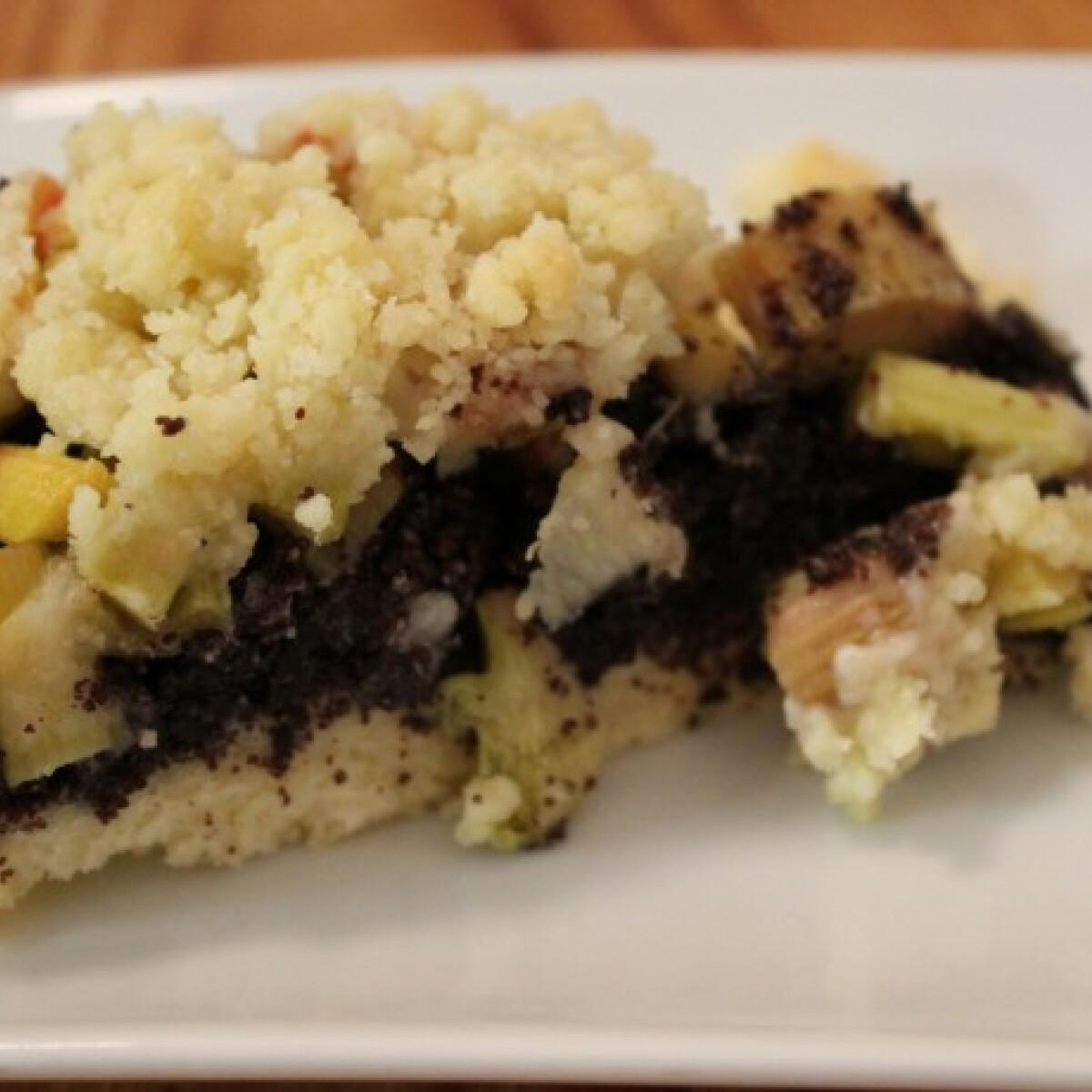 Ezen a képen: Mákos-rebarbarás sütemény