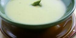 Citromos spárgakrémleves