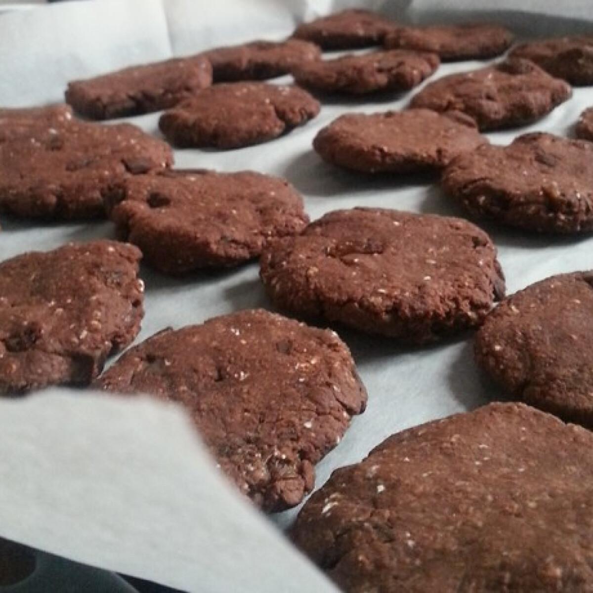 Diétás chilis-csokis keksz