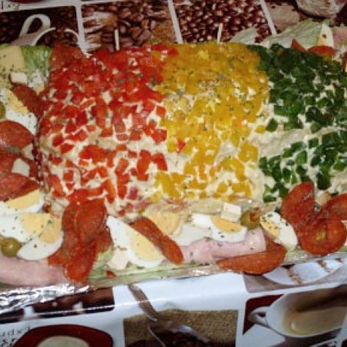 Ezen a képen: Tojásos-szardellás szendvicskülönlegesség