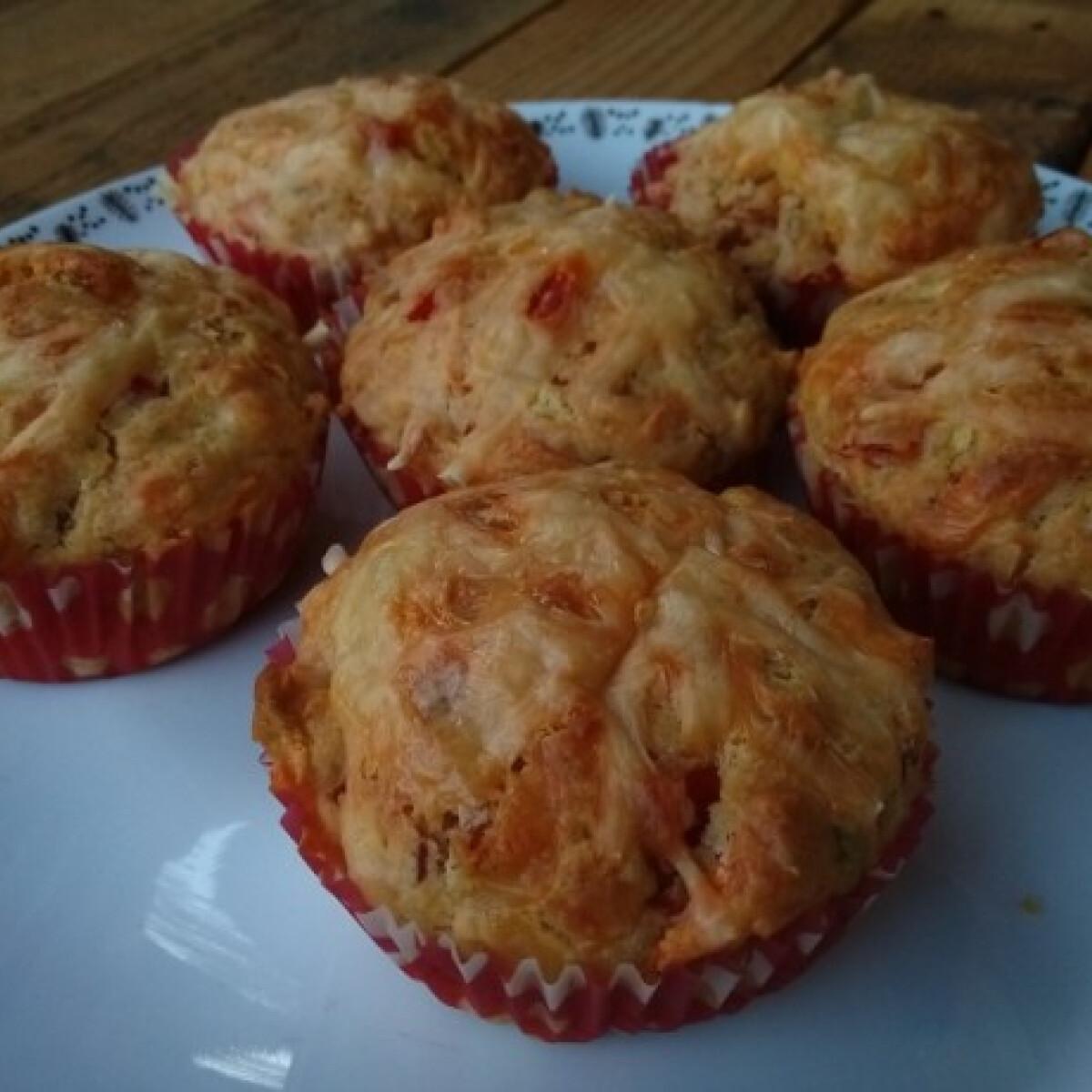 Ezen a képen: Pikáns muffin teljes kiőrlésű lisztből