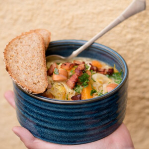 Sütőtökös frankfurti leves