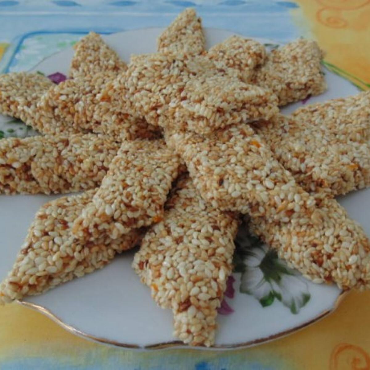 Ezen a képen: Szezámmagos nasi