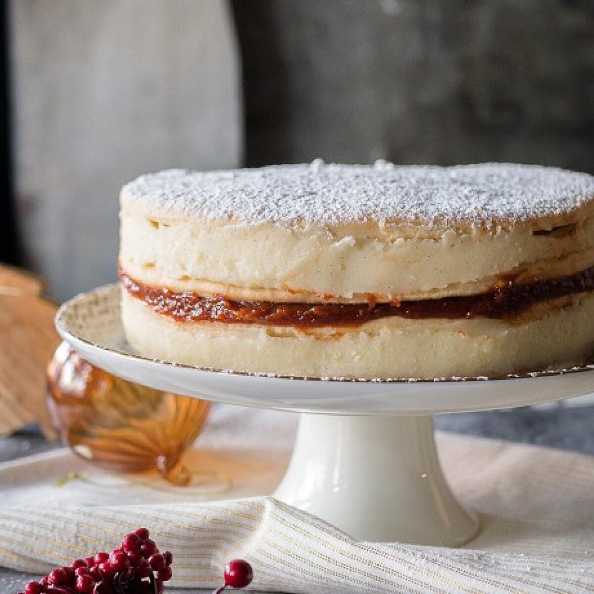 Ezen a képen: Mézeskrémes-torta