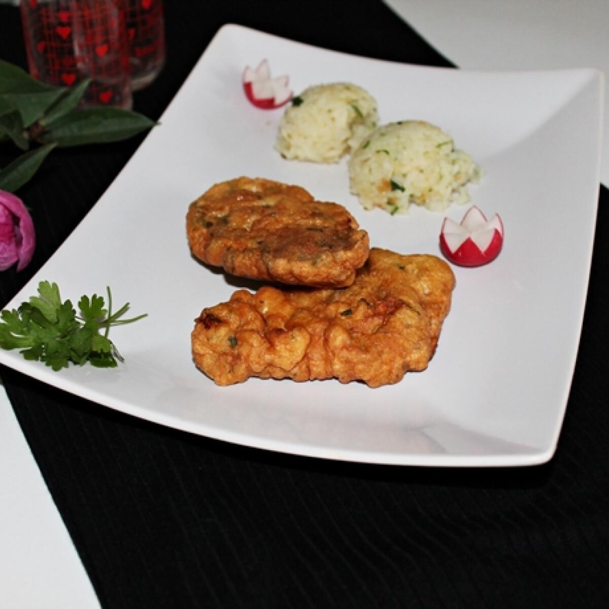 Ezen a képen: Petrezselymes kabátban sült csirkecomb rizskörettel