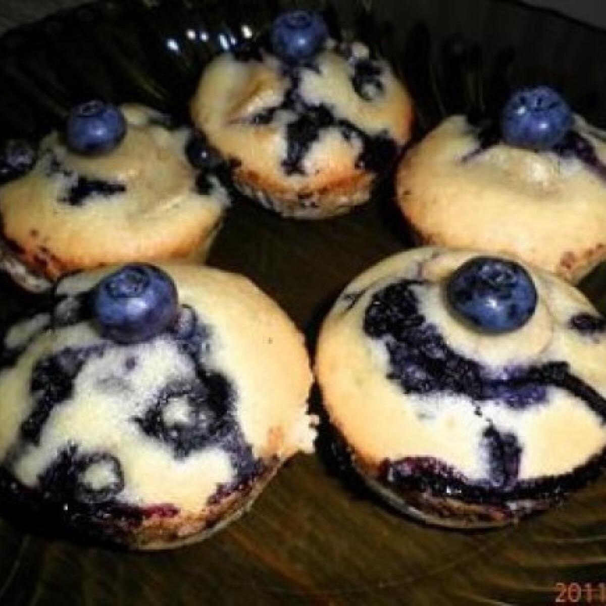 Ezen a képen: Friss áfonyás - banános muffin
