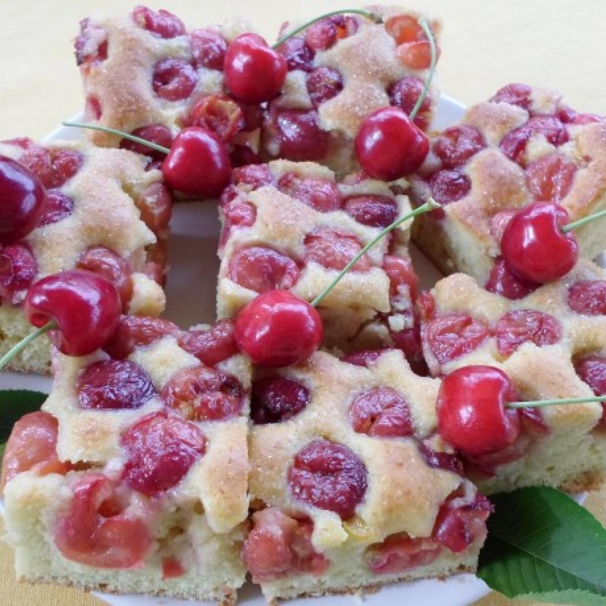 Ezen a képen: Bögrés cseresznyés süti Salamon Csillától