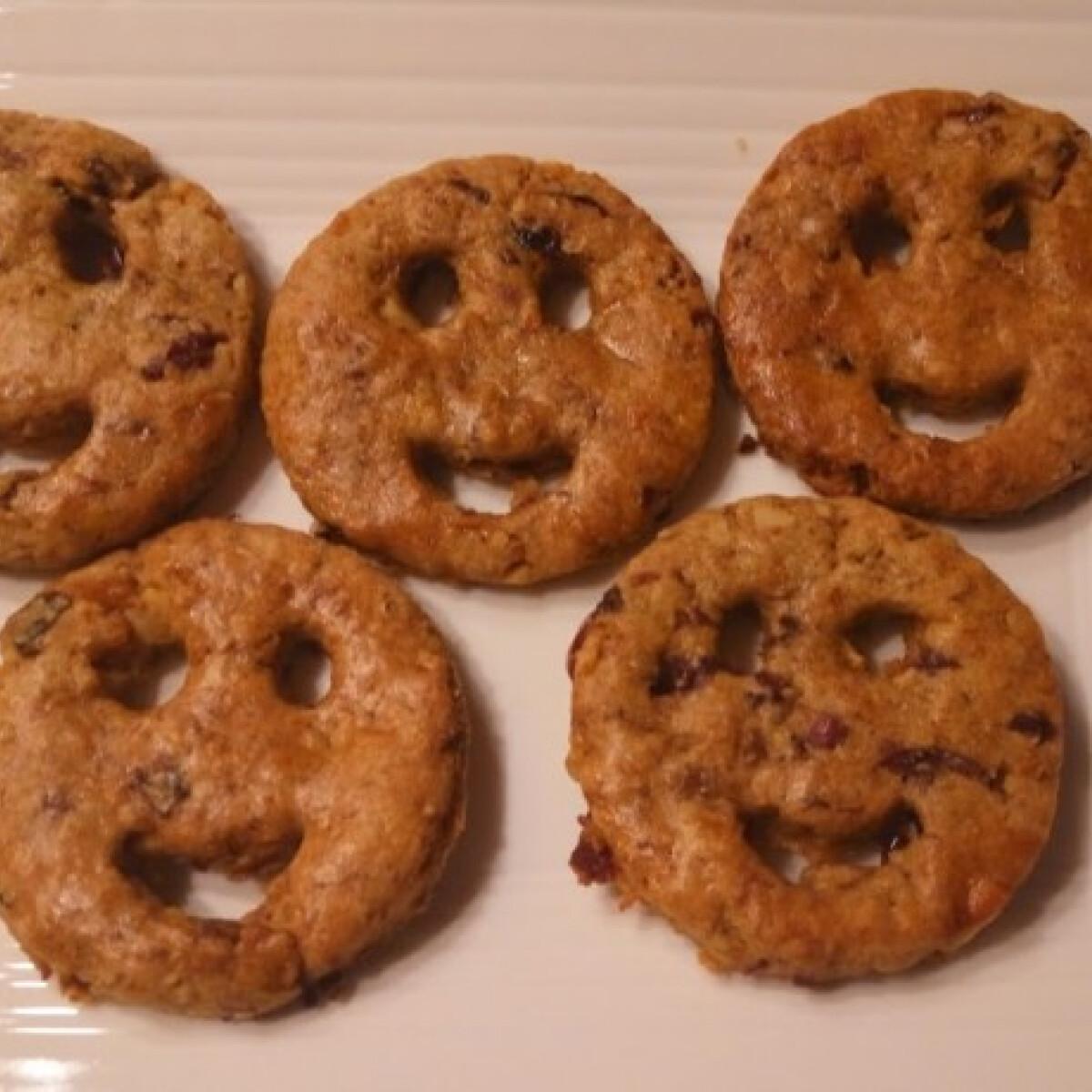 Ezen a képen: Mosolygós keksz