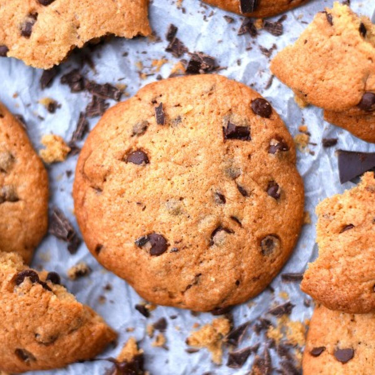 Ezen a képen: Amerikai csokoládédarabkás keksz