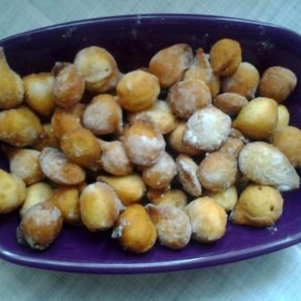 Ezen a képen: Vaníliás fánkocskák Angie konyhájából