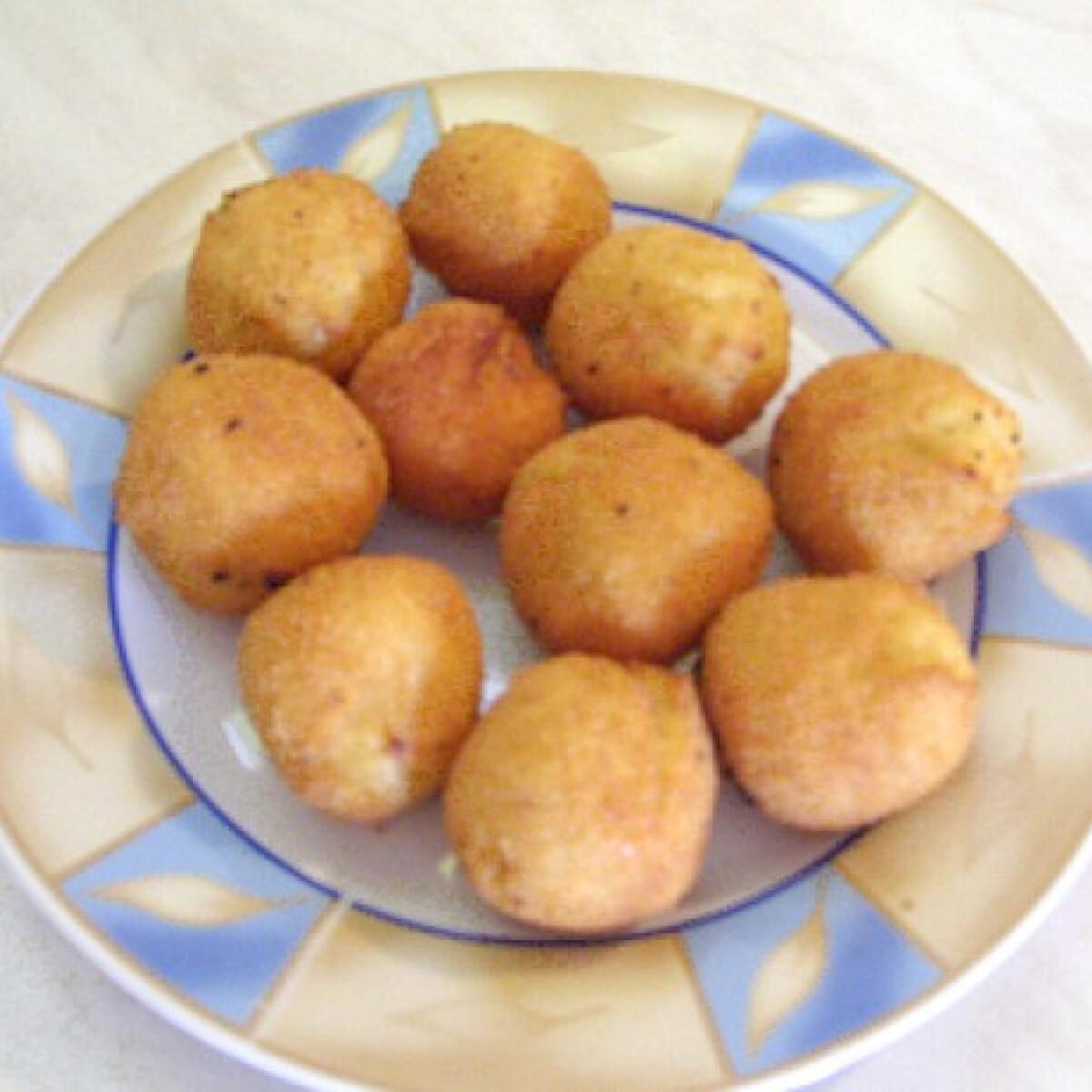 Ezen a képen: Burgonyagombóc Timike konyhájából