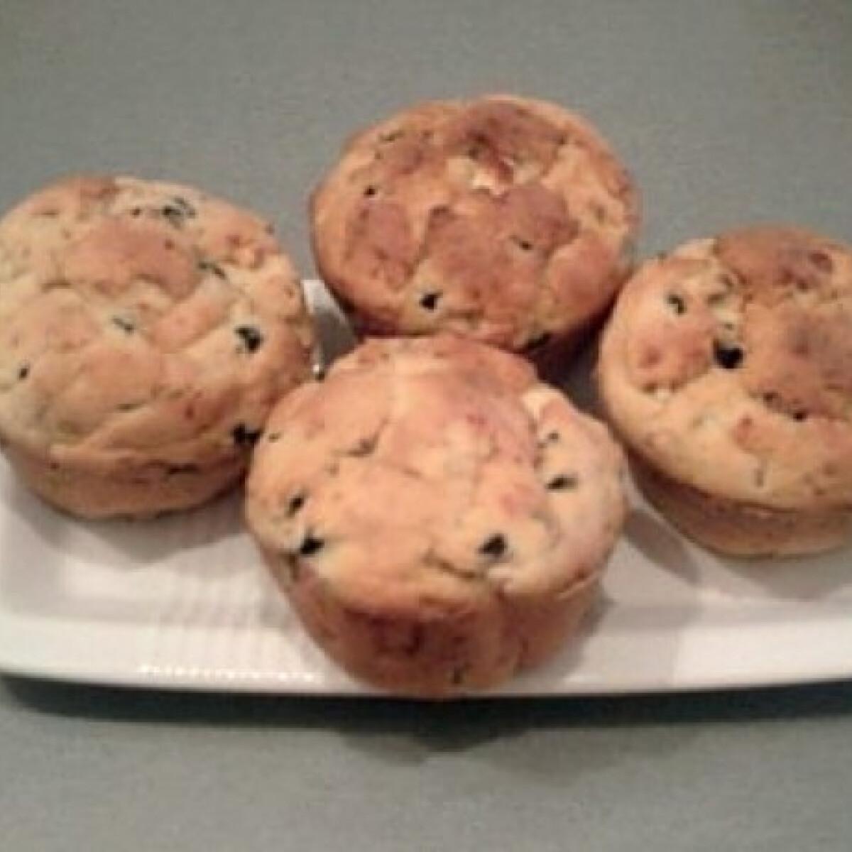 Ezen a képen: Olívás-feta sajtos muffin