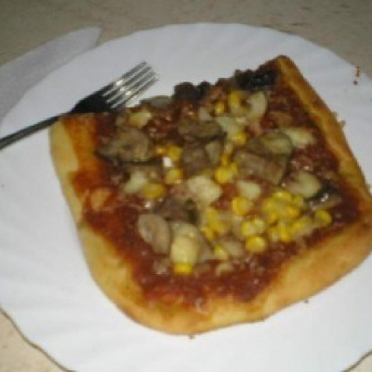 Ezen a képen: Pizza 22. - húsmentes