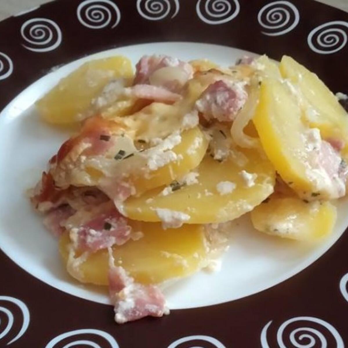 Ezen a képen: Francia rakott krumpli á la Brizsó