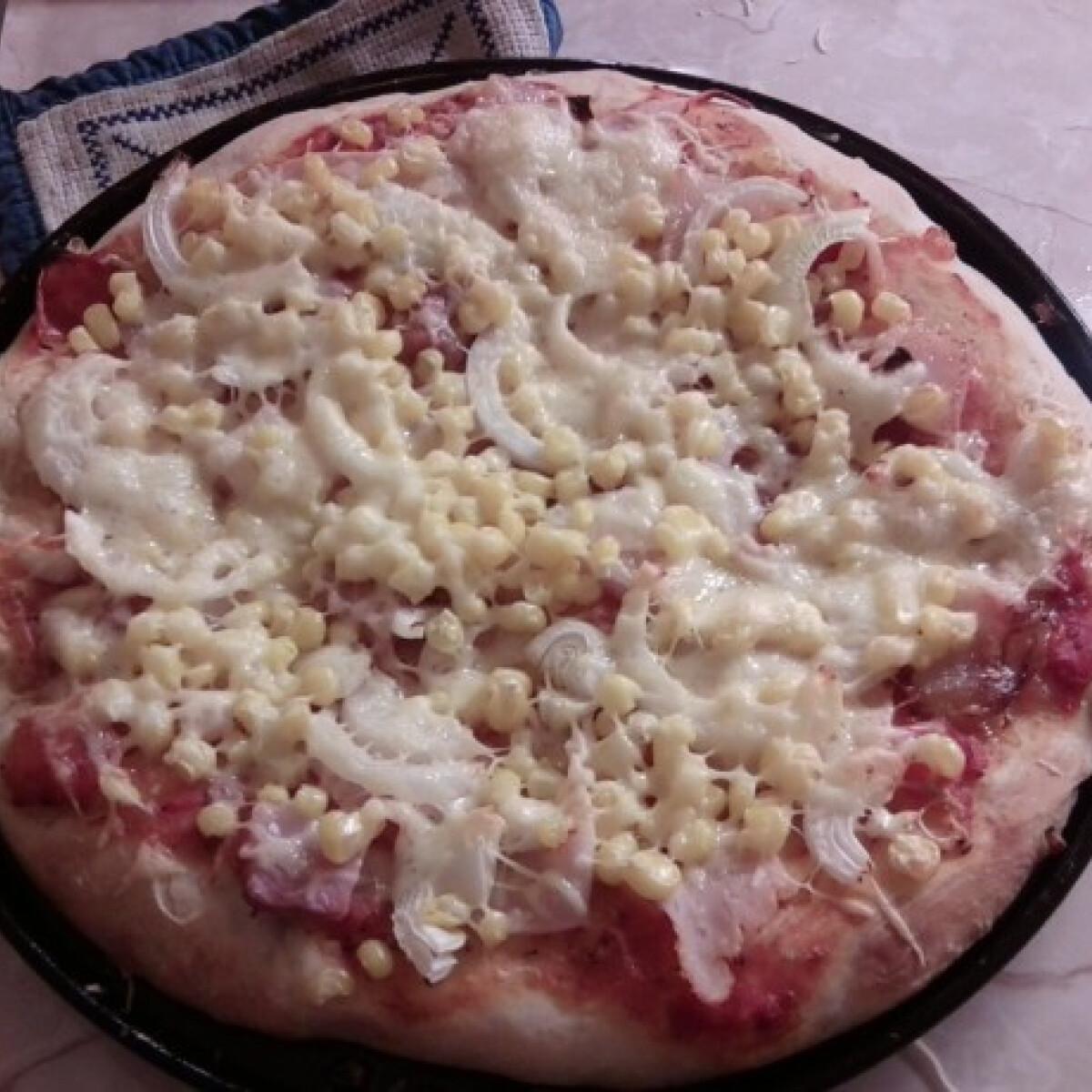 Ezen a képen: Pizza ahogy Anno készíti