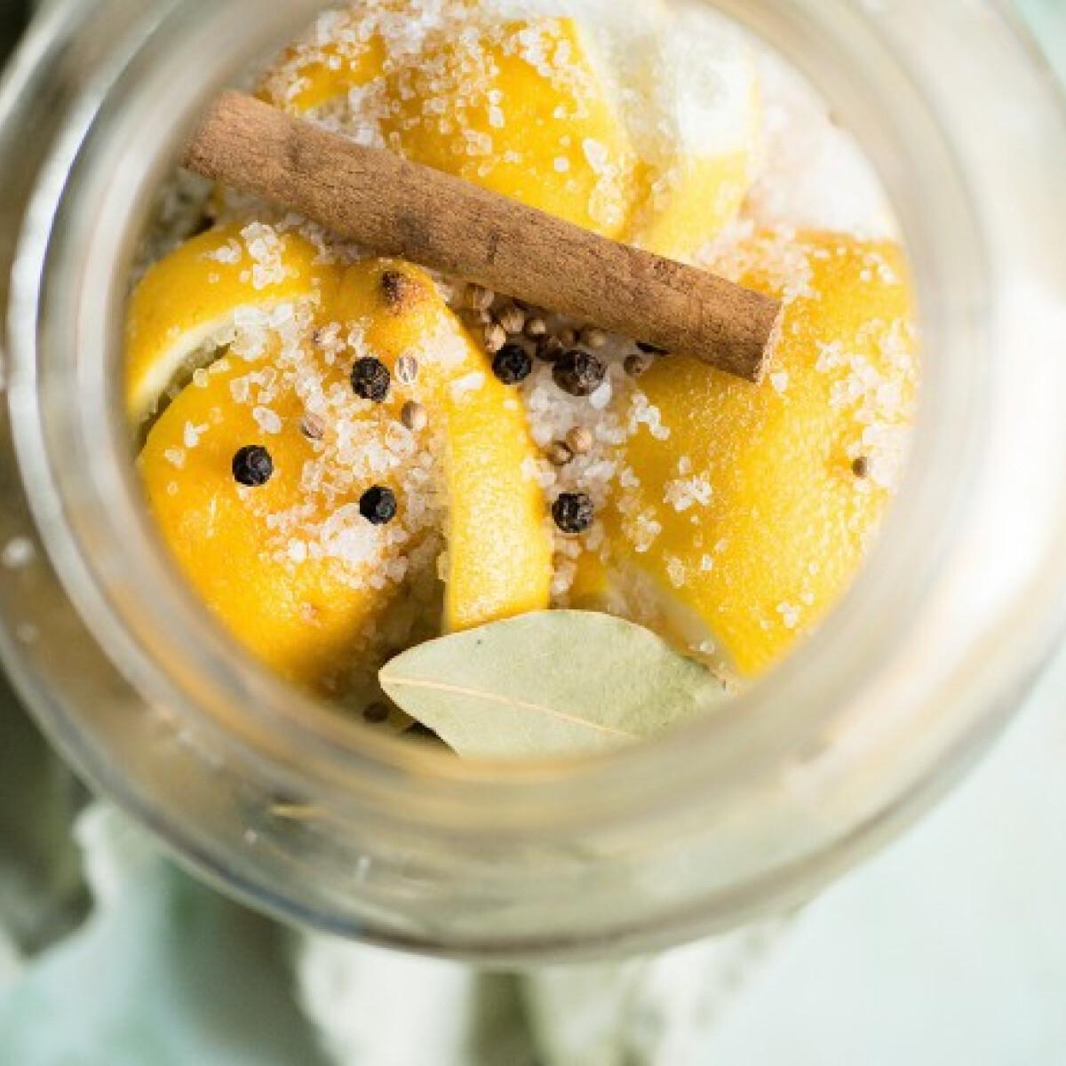 Ezen a képen: Sóban eltett citrom