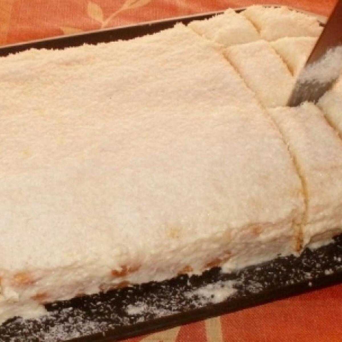 Ezen a képen: Hófehérke tejszínesen