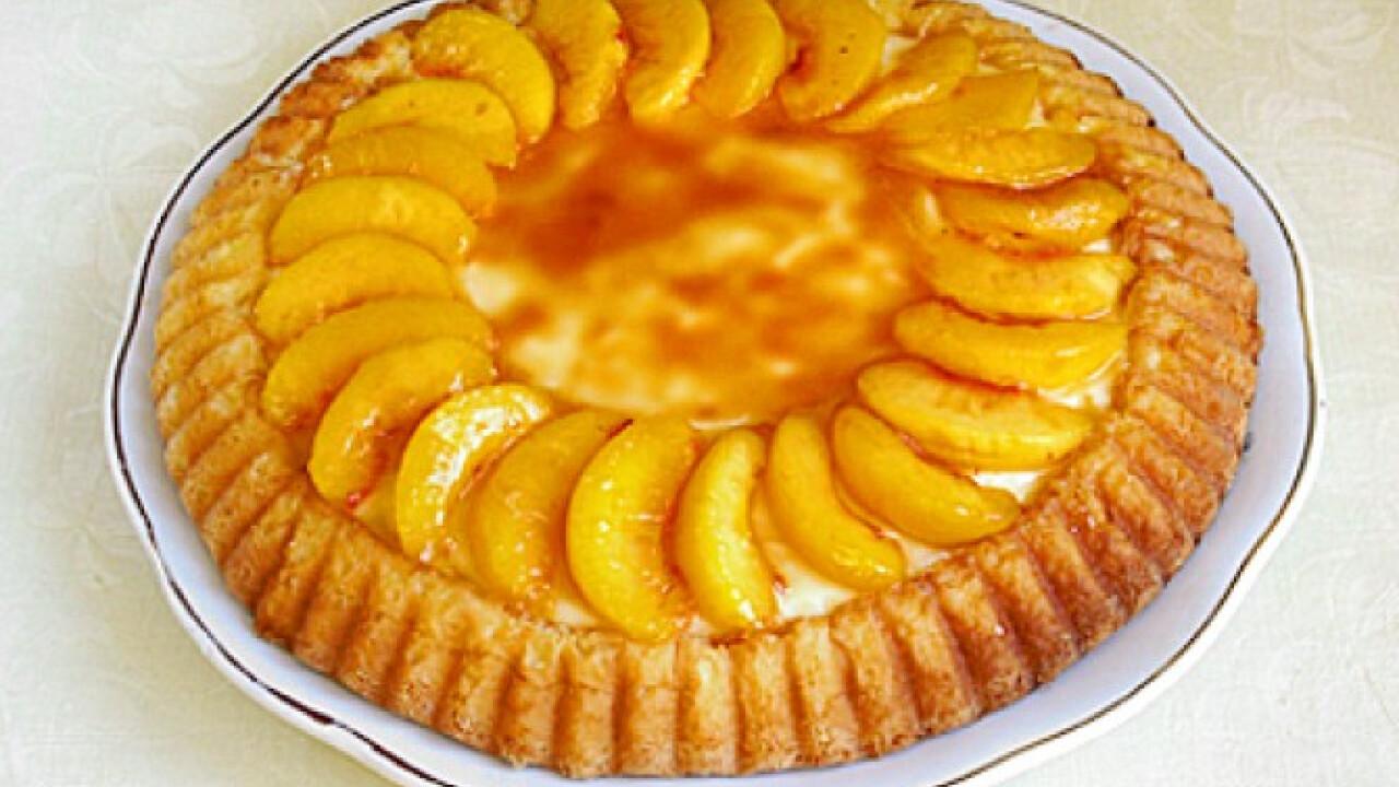 Karamellás-őszibarackos torta
