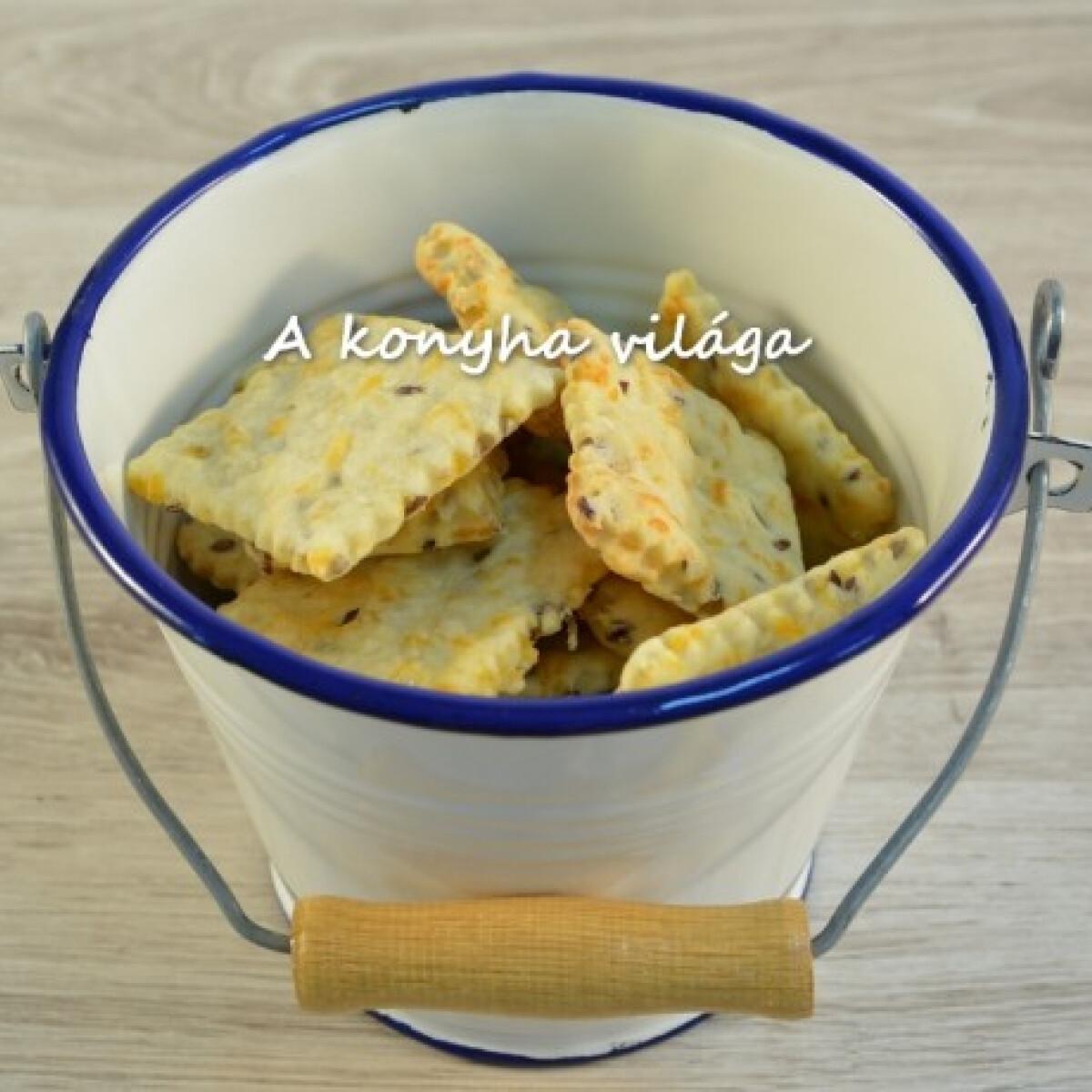 Ezen a képen: Cheddar sajtos keksz