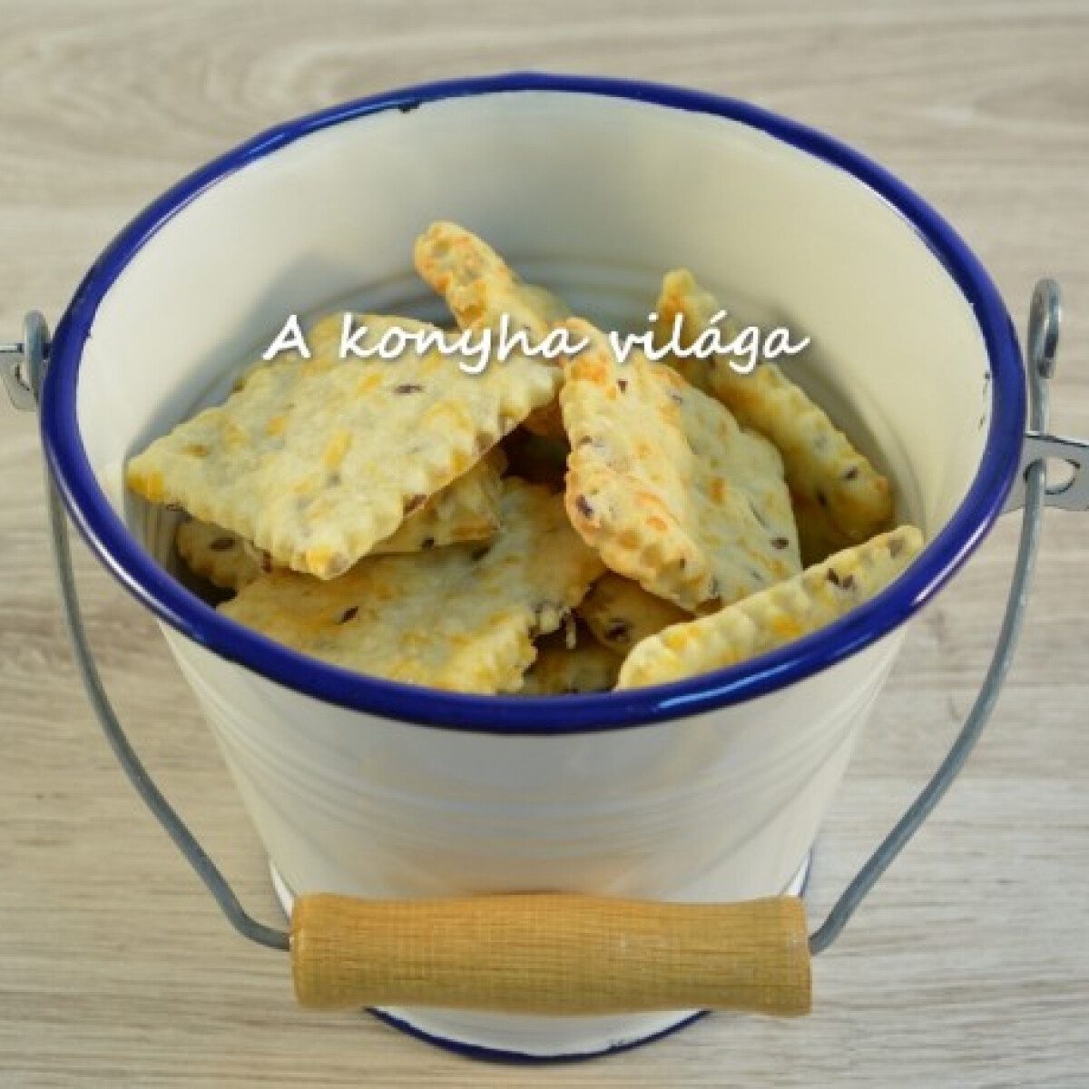 Cheddar sajtos keksz