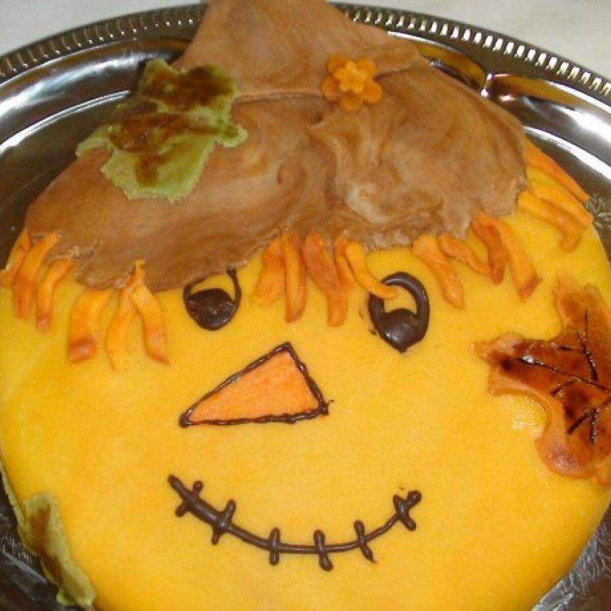Ezen a képen: Madárijesztő torta