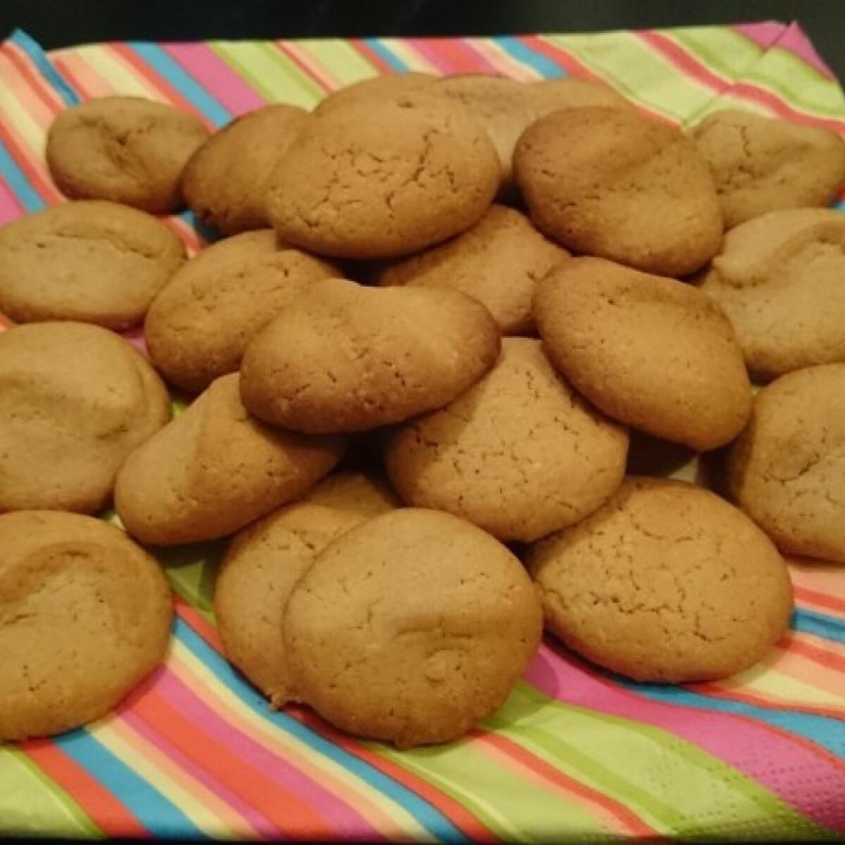 Ezen a képen: Egyszerű bögrés fahéjas keksz