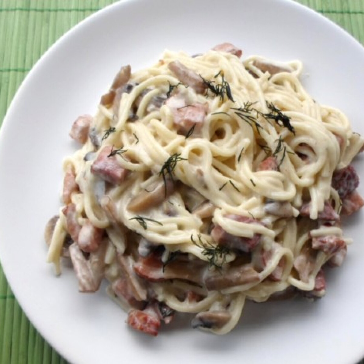 Ezen a képen: Sonkás kapros spagetti