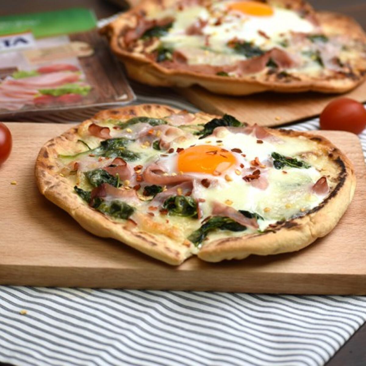 """Ezen a képen: Florentin """"pizza"""" sült sonkával"""